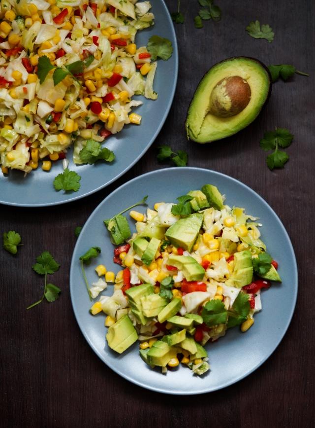 Salsa salat + vind kogebogen 'Skønne salater & vidunderligt tilbehør'