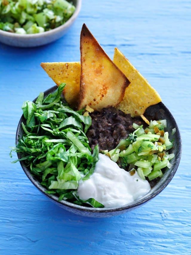 Gæsteblogger – Emma Martiny – Fiesta-salat med hjemmelavede nachos
