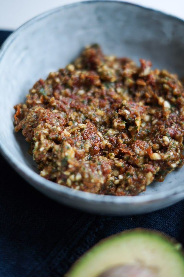 tomat-basilikum-mandel creme