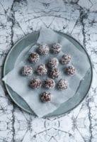 Chokoladeovertrukne romkugler