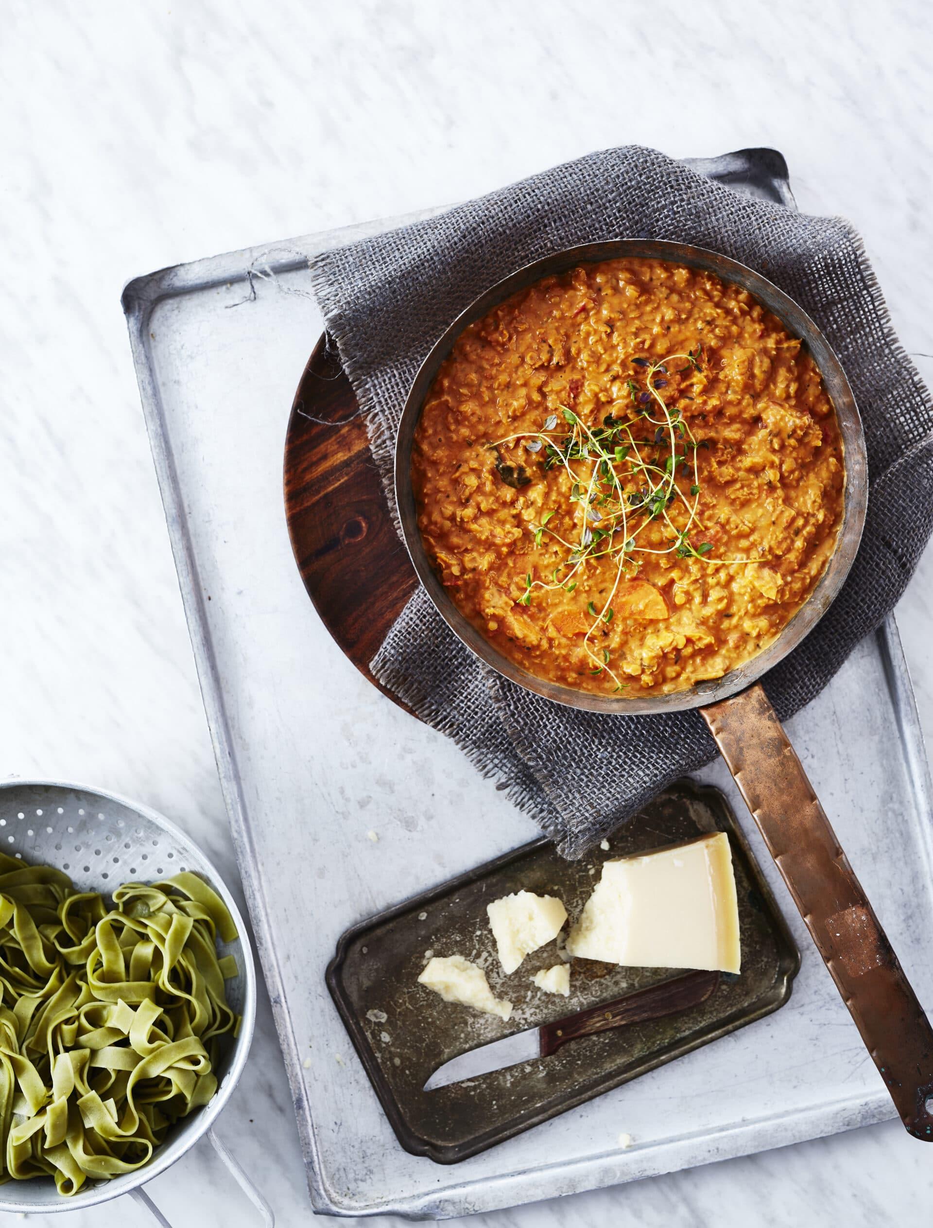 Opskrift fra kogebogen: Linsebolognese med fuldkornsspaghetti