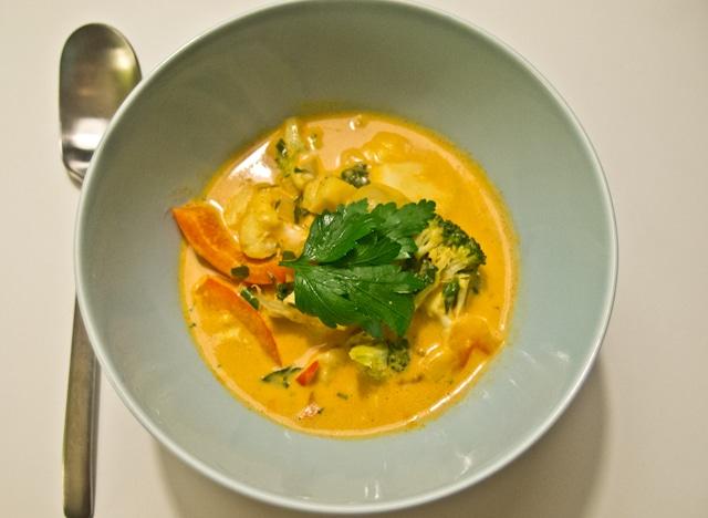 Spicy suppe med kokosmælk vegansk