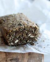 Stenalderbrød – sundt brød uden mel