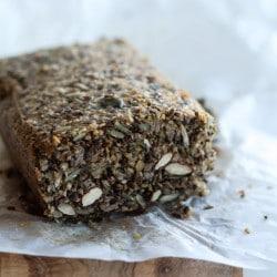 Stenalderbrød - sundt brød uden mel