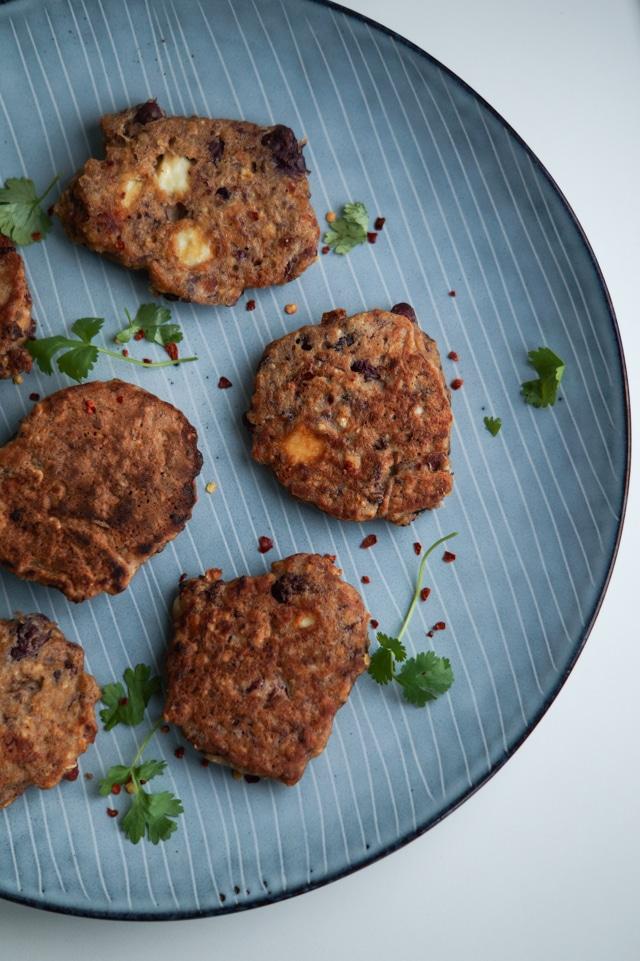 Spicy bønnedeller med feta - vegetardeller