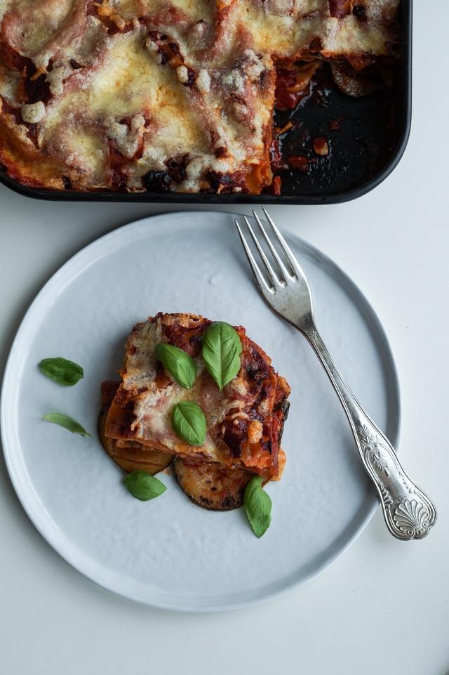 Vegetarlasagne med stegte grøntsager vegetar lasagne