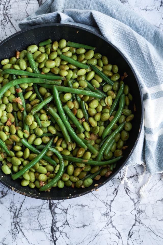 Edamamebønner stegt i ingefær og soya