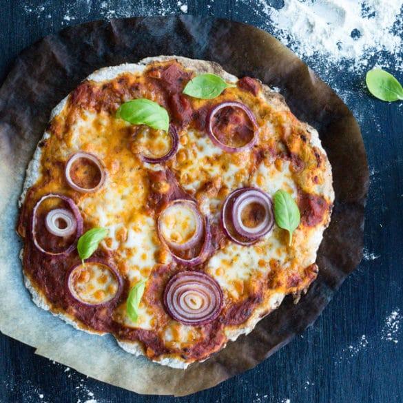 Koldhævet grov pizzadej - sprød og grov pizza