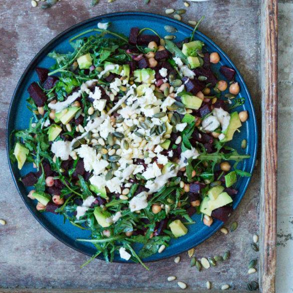 Sådan laver du den perfekte salat med 3 trin