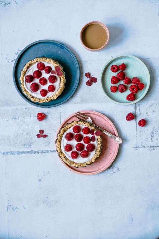 Alletiders Kogebog Jordbærtærte små sundere hindbærtærter med kokoscreme (vegansk)