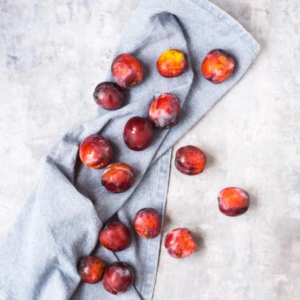 Fyld fryseren med sommerbær og frugter