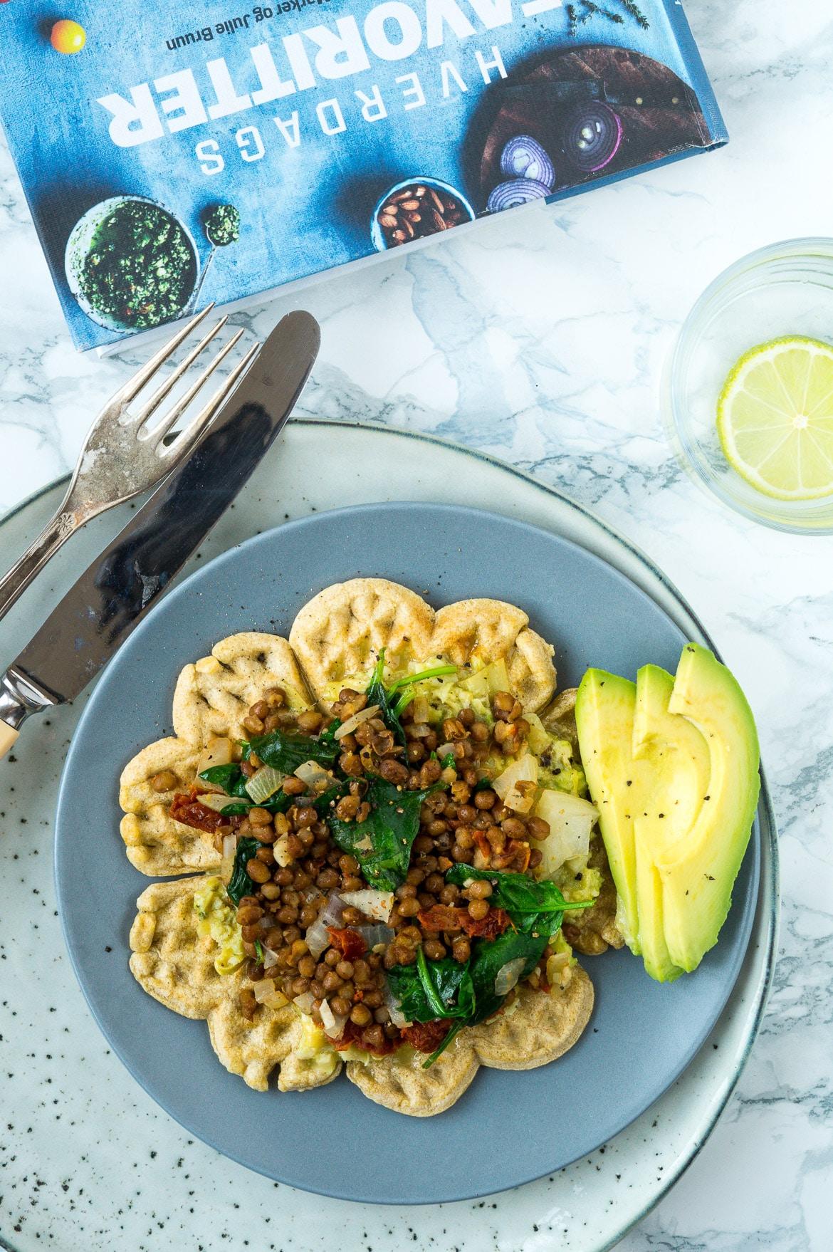 madvafler med linsefyld og artiskokcreme