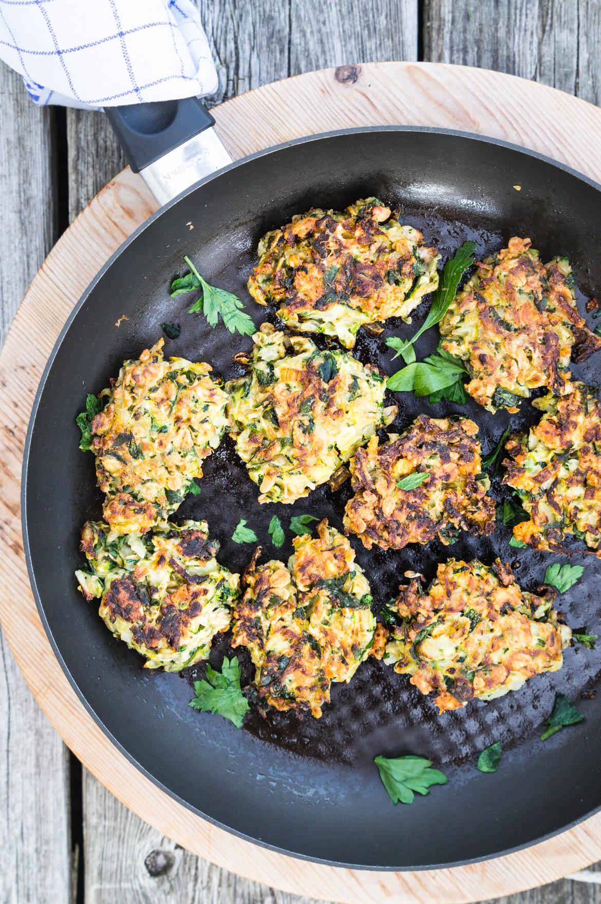 Squashfrikadeller - vegetardeller med squash og parmesan