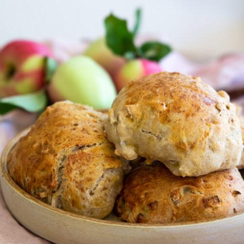 Grove æbleboller med kanel