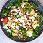 Spinatsalat med bagte tomater, blomkål og feta