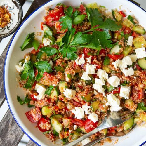 Quinoasalat med tomatdressing