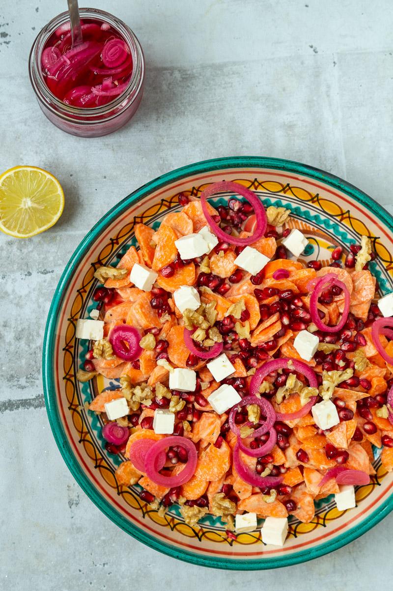 Gulerodssalat med tahindressing