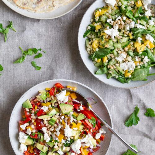 Salat med tomat og peberfrugt