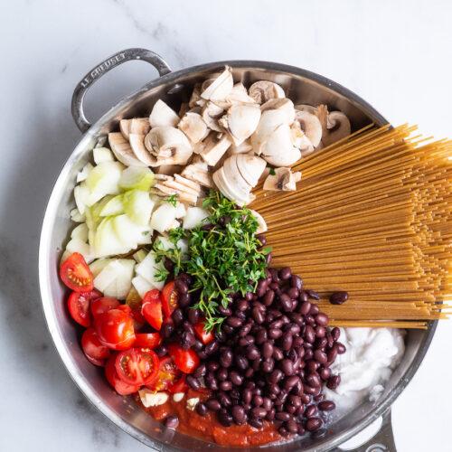 One pot pasta med svampe og timian